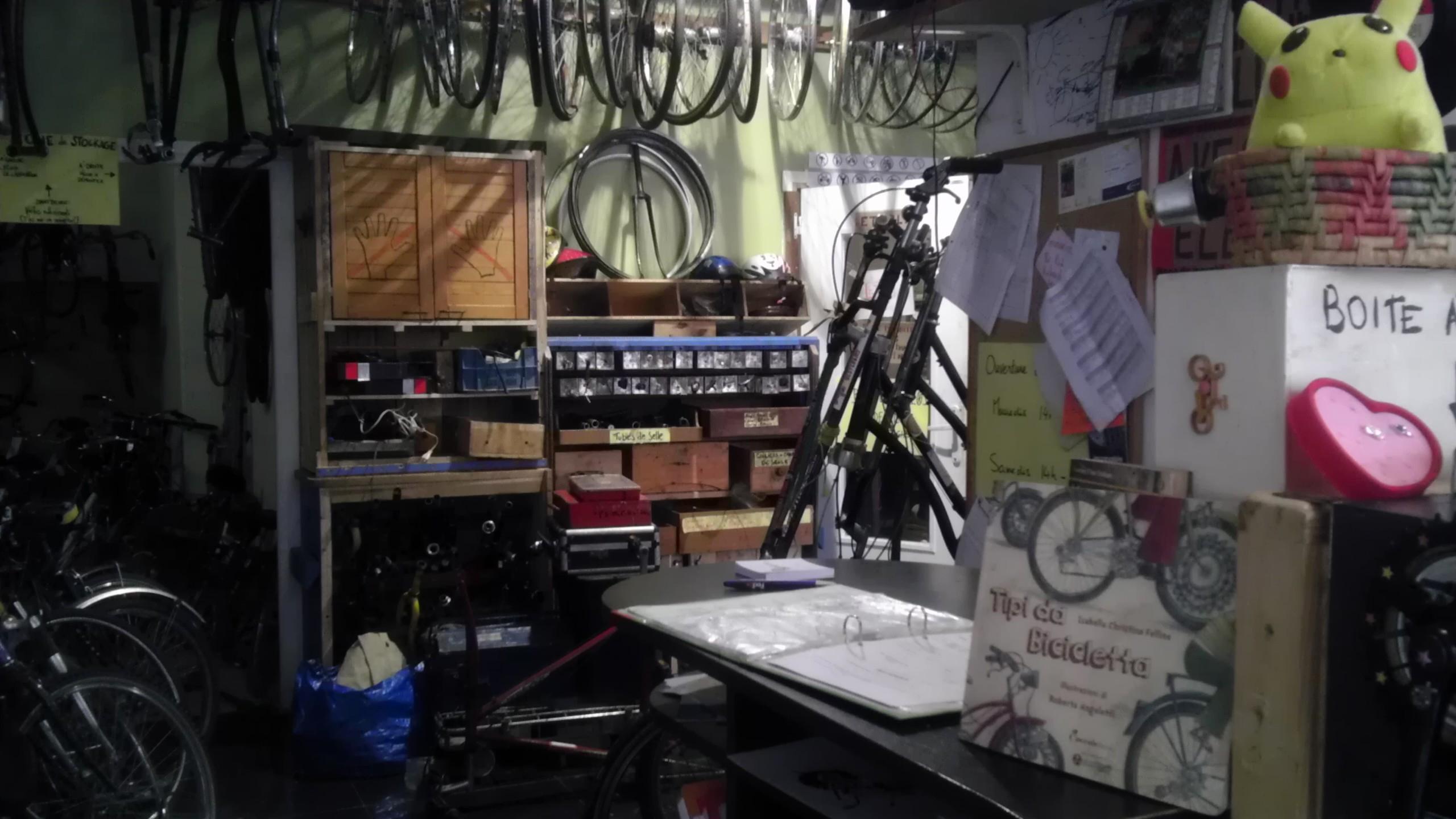 L'atelier Cyclofficine Paris Fougères, situé au 3 rue de Noisy le Sec, à Paris 20