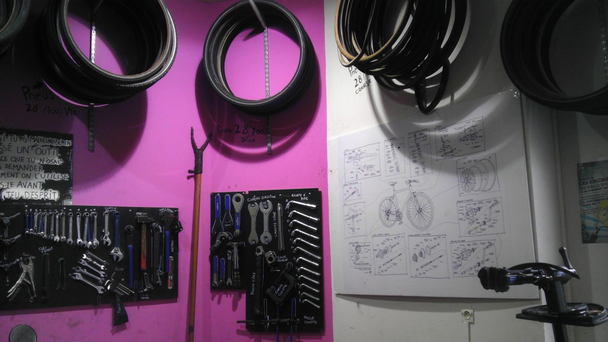 L'atelier Cyclofficine Paris Fougères, situé au 3 rue de Noisy le Sec, à Paris 20. Le CycloLabo